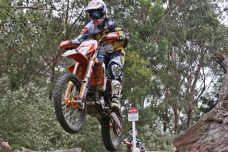 Price and Hollis take the AORC honours