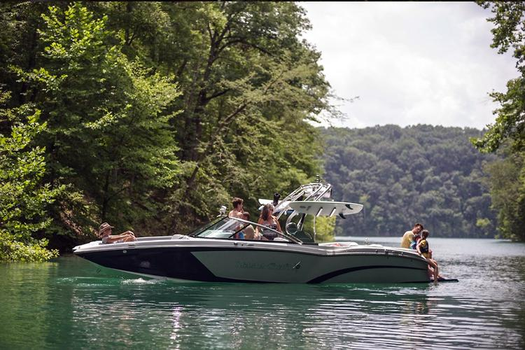 2016 MasterCraft X26 launched: Video