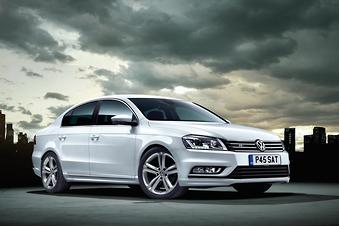 VW Passat R-Line knocked on...