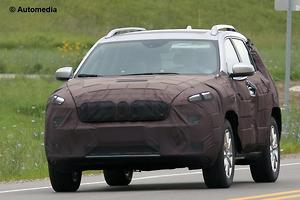 SPY PICS: Facelift on way for Jeep Cherokee