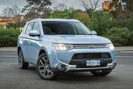 Mitsubishi Outlander PHEV 2014 Review