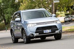 Mitsubishi Outlander PHEV 2014 Review