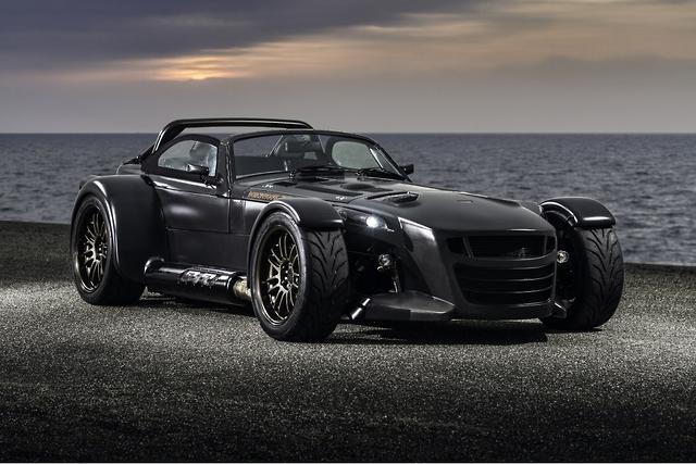 Donkervoort D8 GTO Bare Naked Carbon...