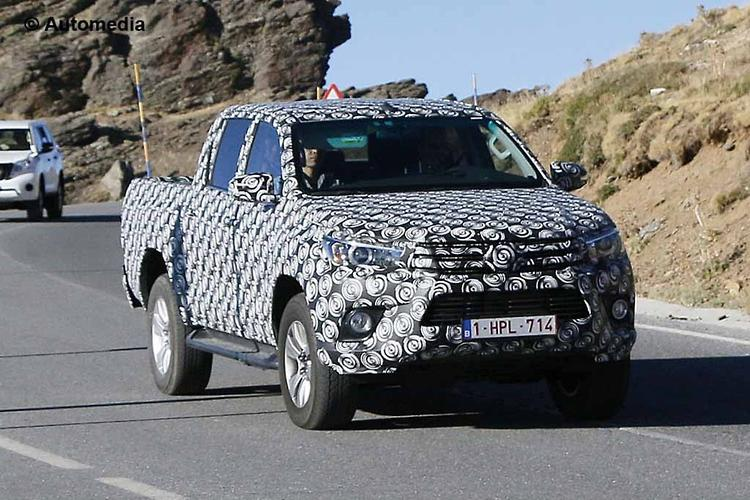 2014 New Look Toyota Hilux Australia Spy Photos.html | Autos Weblog