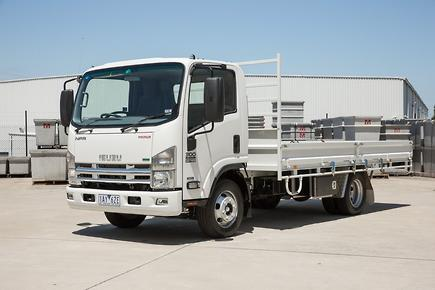 Review: 2015 Isuzu NPR 300 – Truck news & reviews - trucksales.com